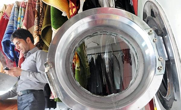 شستشوی لباسهای مردم با ملحفههای عفونی!