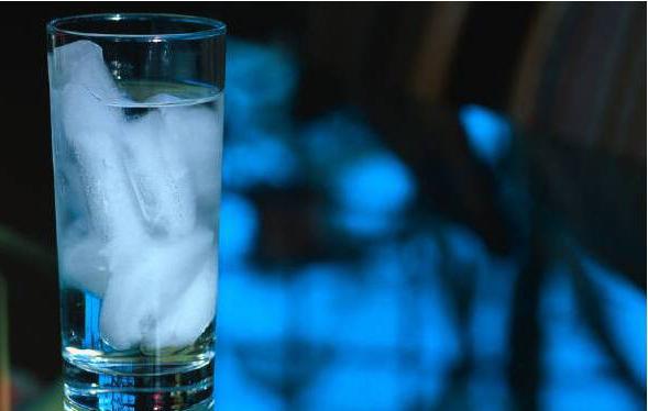 انسان بدون آب و غذا چقدر زنده میماند و به چه وضعیتی دچار خواهد شد؟