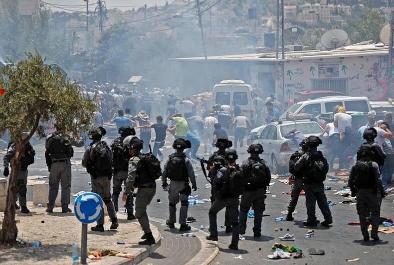 زخمی شدن ۱۰ دانشجوی فلسطینی به دست نظامیان صهیونیست در شمال رام الله