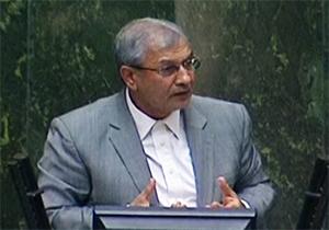 عصبانیت شدید وزیر کار در دفاع از جایگاهش/ استفاده از ضربالمثلهای آذری در صحن علنی مجلس + فیلم