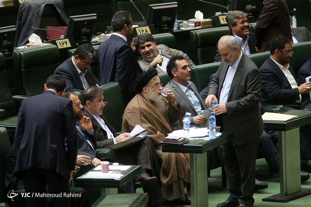 جلسه استیضاح وزیر راه و شهرسازی