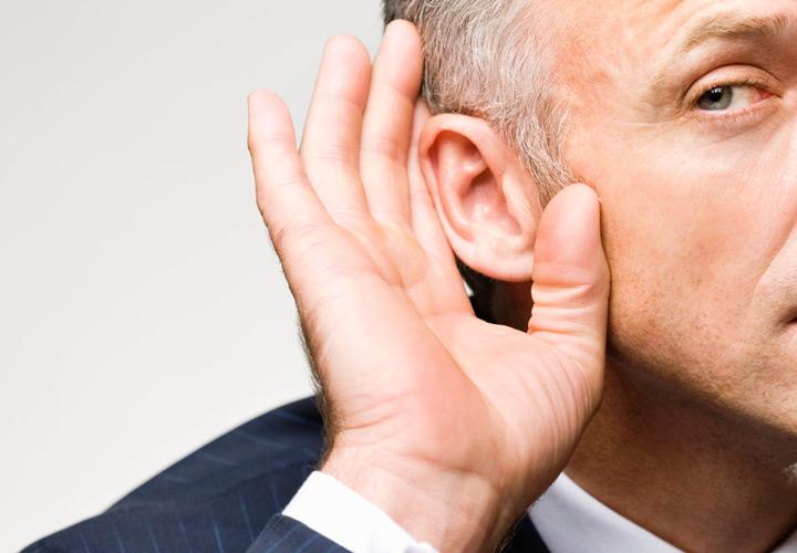 هنر خوب گوش کردن را یاد بگیرید