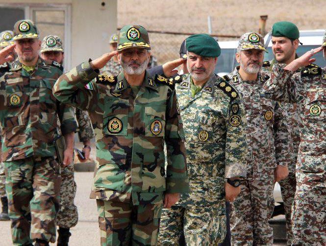 فرمانده کل ارتش از منطقه پدافند هوایی تهران بازدید کرد