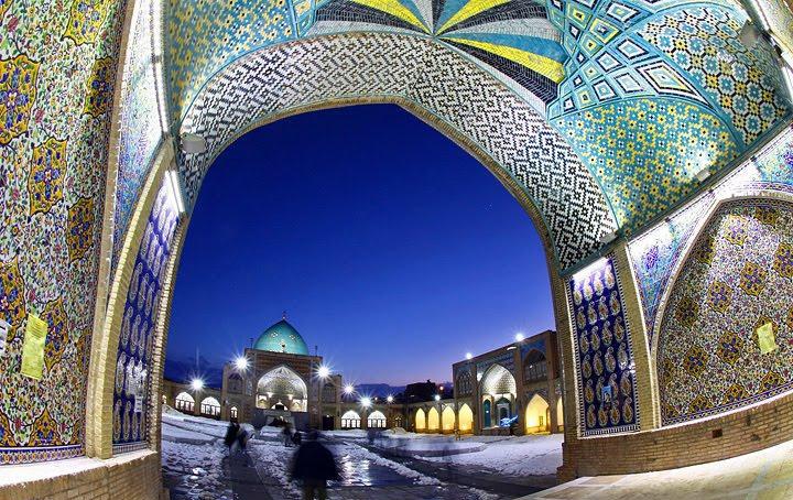 گنبد فیروزهای درشهر زنجان