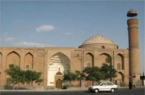 نگاهی بر آثار و تمدن آق قویونلوها در تبریز