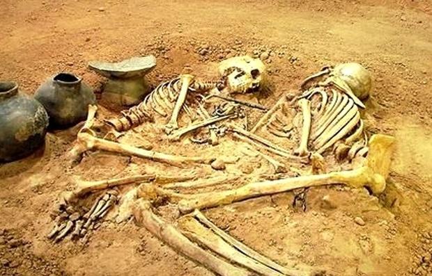 اسکلت های پنج هزار ساله شهرسوخته سیستان در موزه خراسان به نمایش درآمد