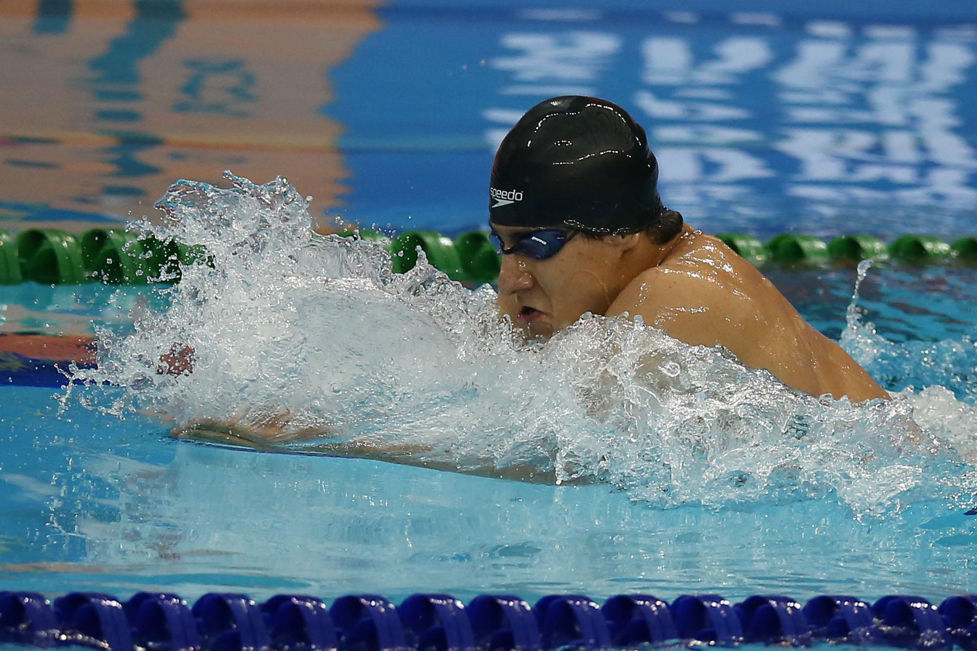 بهترین شناگر ایران: هفت سال است عید کنار خانواده ام نیستم