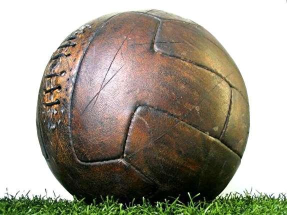 باشگاه خبرنگاران -اروگوئه نخستین قهرمان جام جهانی/فینالی که با ۲ نوع توپ برگزار شد
