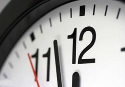 ساعت رسمی کشور، فردا یک ساعت به جلو کشیده میشود