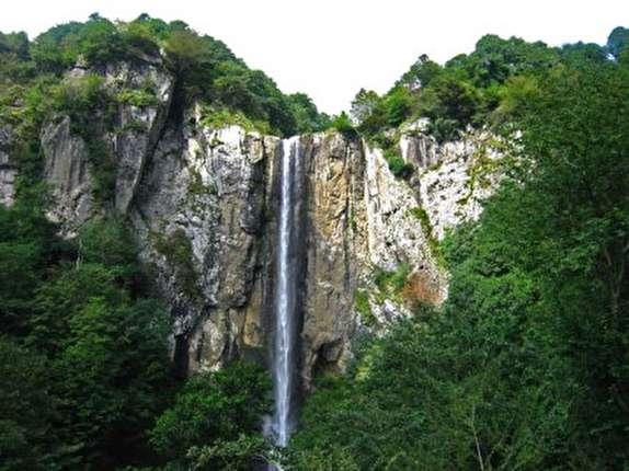 باشگاه خبرنگاران -آبشار لاتون آستارا بلندترین آبشار ایران