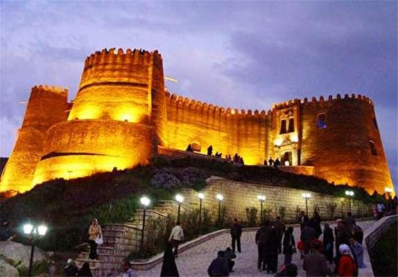 باشگاه خبرنگاران - بازدید یک هزار و ۳۲۰ نفر از قلعه تاریخی فلک الافلاک خرم آباد