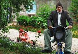 بازیگری که بعد از ۳۴ سال برادرش را پیدا کرد/ ضرر عیدانه برای باباپنجعلی!