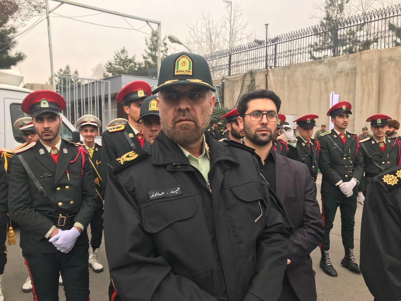 300 تن از اخلالگران در حادثه پاسداران دستگیر شدند/ آرامش و امنیت امروز ثمره خون شهدای نیروی انتظامی