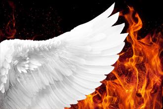 با این ذکر در میان بالهای فرشتگان از آتش جهنم در امان باشید