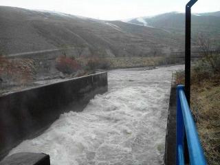 باشگاه خبرنگاران -رهاسازی آب سد شهرچای  به سمت دریاچه ارومیه