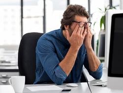 علائمی که نشان میدهند مبتلا به «سندرم خستگی مزمن» هستید+ راهکار درمانی