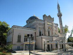مسجدی که دستکمی از باغهای بهشتی ندارد +تصاویر