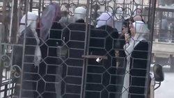 حبس زنان غوطه شرقی در قفس و فروش آنها به عنوان برده + فیلم