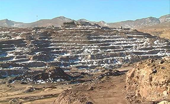 باشگاه خبرنگاران - بزرگترین معدن روباز خاک نسوز کشور و خاورمیانه در فارس