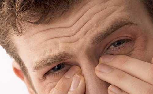 ویژه عید////////راهکارهایی خانگی برای رفع خشکی داخل بینی