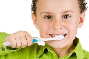 مسواک بزنید تا دیابت نگیرید!/ پلاک روی دندان زنگ خطر آغاز بیماریهای قلبی