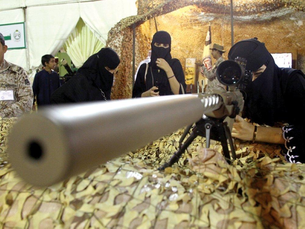 زنان عربستانی به سربازی می روند!