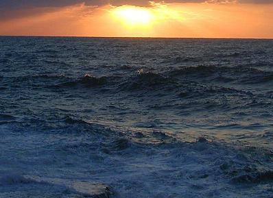 رکورد طولانی ترین زمان زنده ماندن بر روی دریا