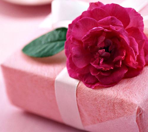 مناسبترین هدیه برای روز زن چیست؟