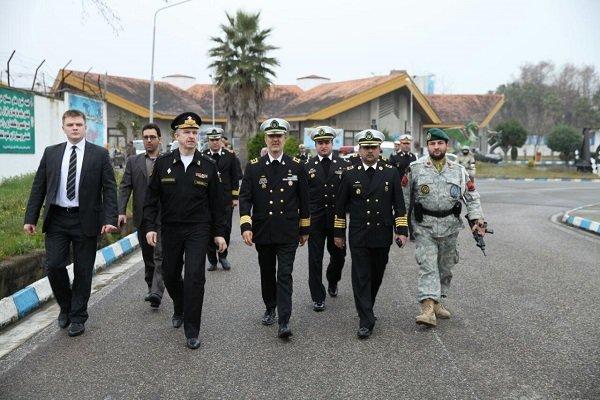 بازدید هیئت نظامی روسیه از نیروی دریایی