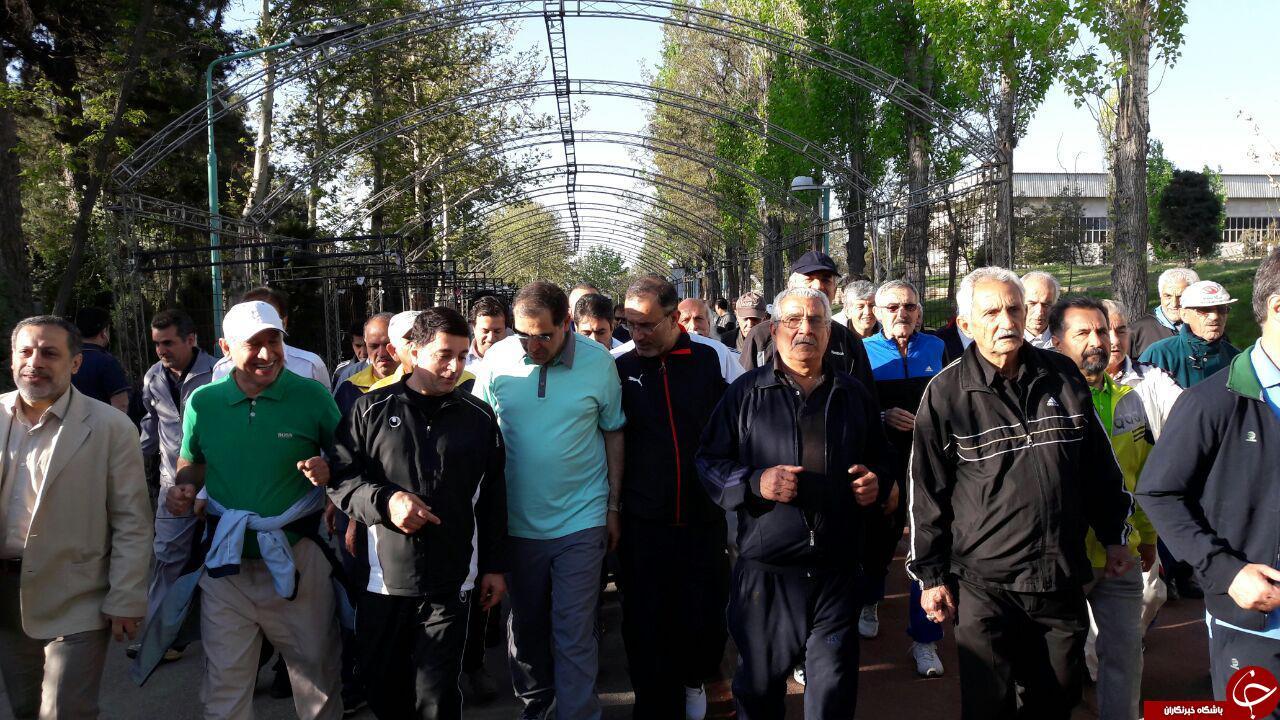 «پیادهروی خانوادگی» با حضور وزیربهداشت در اولین روز از هفته سلامت+تصاویر