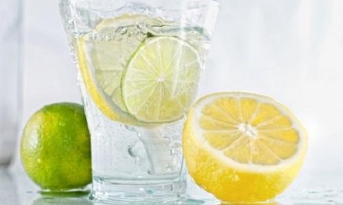 حمایت وزارت بهداشت از تولید نوشیدنیهای سالم/ نوشیدنیهای غیرطبیعی عامل اصلی مرگ و میر بین افراد