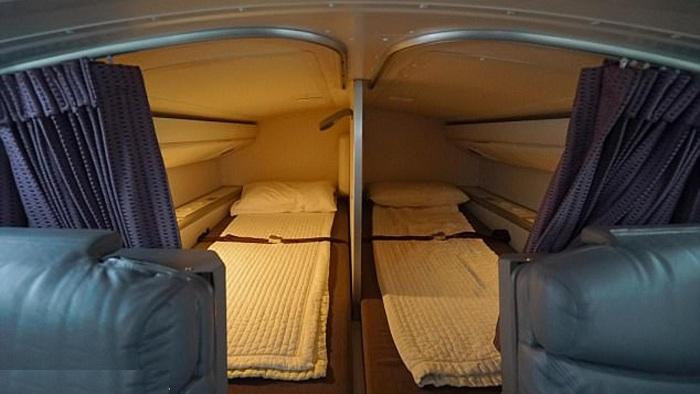 رازهای خواب مهمانداران هنگام پرواز هواپیما