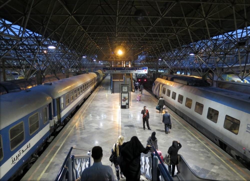 ساعت حرکت و نرخ قطار مسافربری تهران شیراز