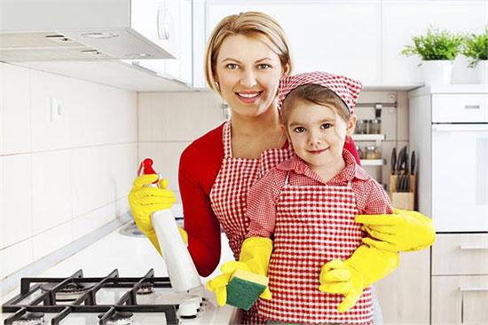 باشگاه خبرنگاران -به کودکتان در کارهای خانه مسوولیت دهید