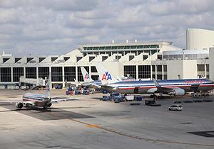 بازداشت مسافران در فرودگاه فلوریدای آمریکا
