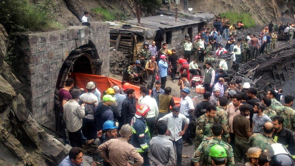 عکس 6209478_638 پرداخت دیه ۲۱۰ میلیون تومانی به ۴۰ تن از کارگران معدن آزادشهر