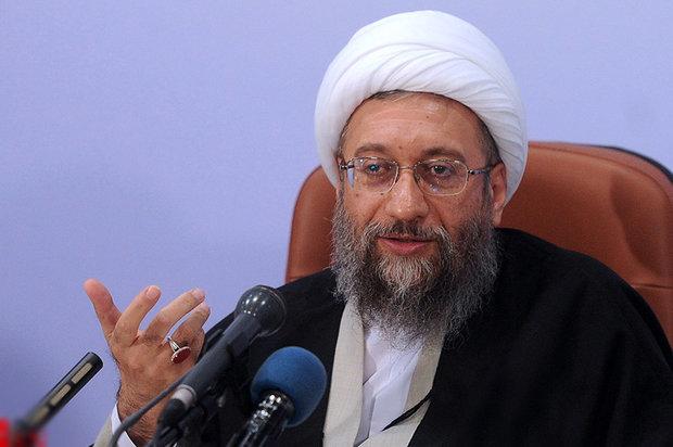 برخی نامزدها به گونه ای عمل کردند که گویی اپوزیسیون نظام هستند/ به کسانی رأی بدهیم که گفتمان انقلاب اسلامی را دنبال می کنند/در مقابل هجمههای بیاساس سکوت اختیار کردهام,