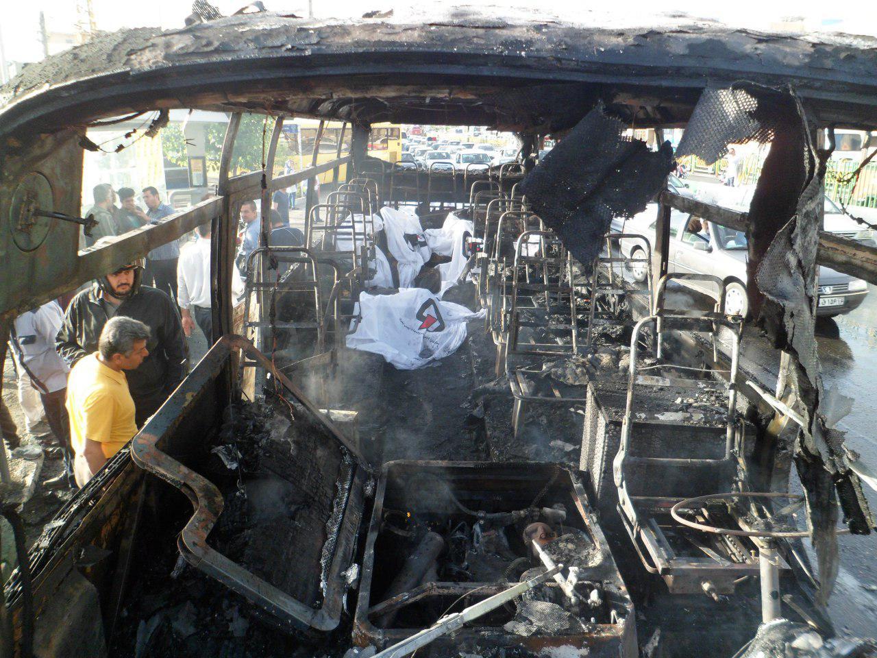 آتشسوزی مینیبوس در بزرگراه آیتالله سعیدی/ 4 تن جان باختند+ تصاویر