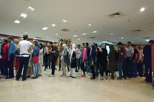 """عکس 6241355_759 صف طولانی اخذ رای در سفارت ایران در """"کوالالامپور"""""""