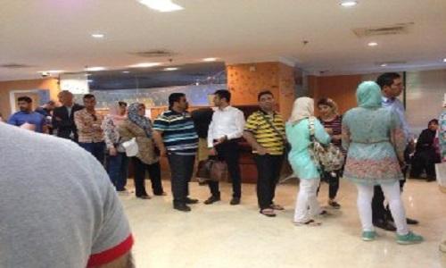 """عکس 6241376_799 صف طولانی اخذ رای در سفارت ایران در """"کوالالامپور"""""""