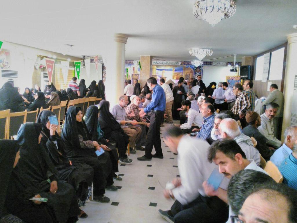 حضور پر شور زائران ایرانی پای صندوقهای رأی در کربلای معلی