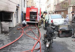 باشگاه خبرنگاران -حریق در پارکینگ مجتمع مسکونی/ نجات 7 نفر از ساکنان از میان دود و حرارت