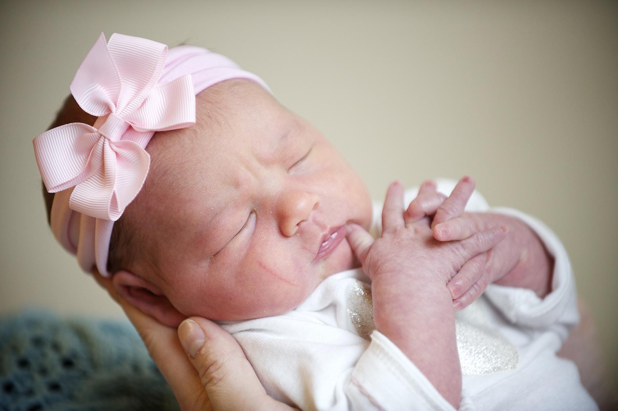 راز داشتن نوزادی زیبا و سالم از منظر طب سنتی
