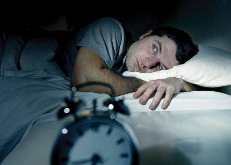 استرس و کم خوابي دشمن زيبايي پوست