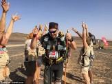 اولین دوندهای که با پاهای مصنوعی دوی ماراتن را به پایان رساند