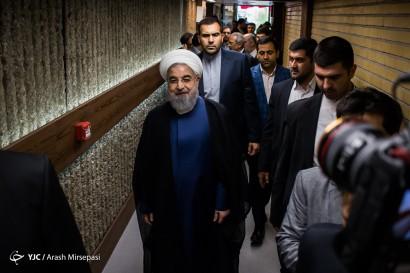 پشت صحنه ضبط برنامه حسن روحانی نامزد انتخابات ریاست جمهوری