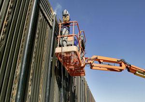نقشه دموکراتها برای ممانعت از ساخت دیوار مرزی