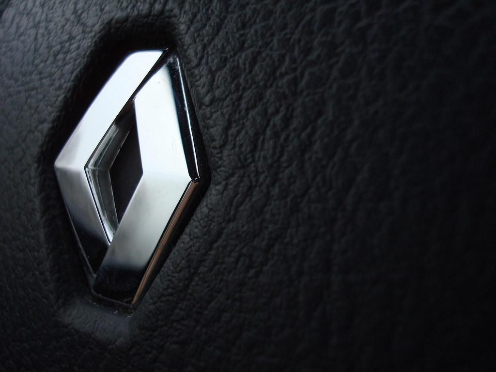 اوج گیری درآمد رنو از فروش خودرو به ایران