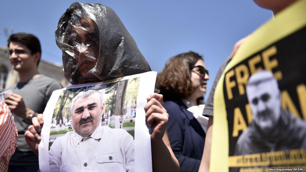 چالش-دولت-گرجستان-درخصوص-ربوده-شدن-روزنامه-نگار-محالف-دولت-آذربایجان