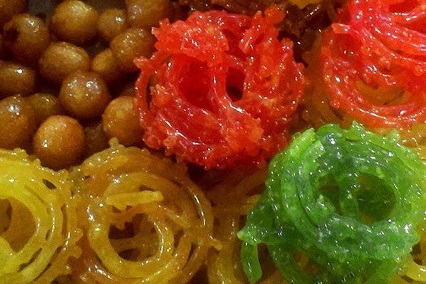 به هیچ وجه زولبیا و بامیههای «رنگی» در ماه رمضان نخرید!